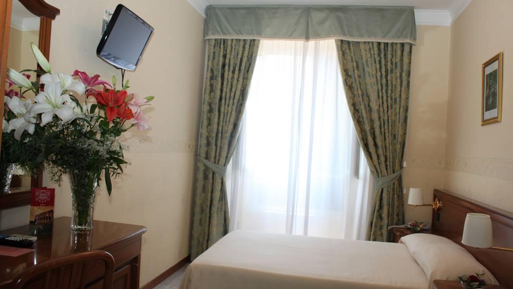 hotel-orazia-rome-room-24