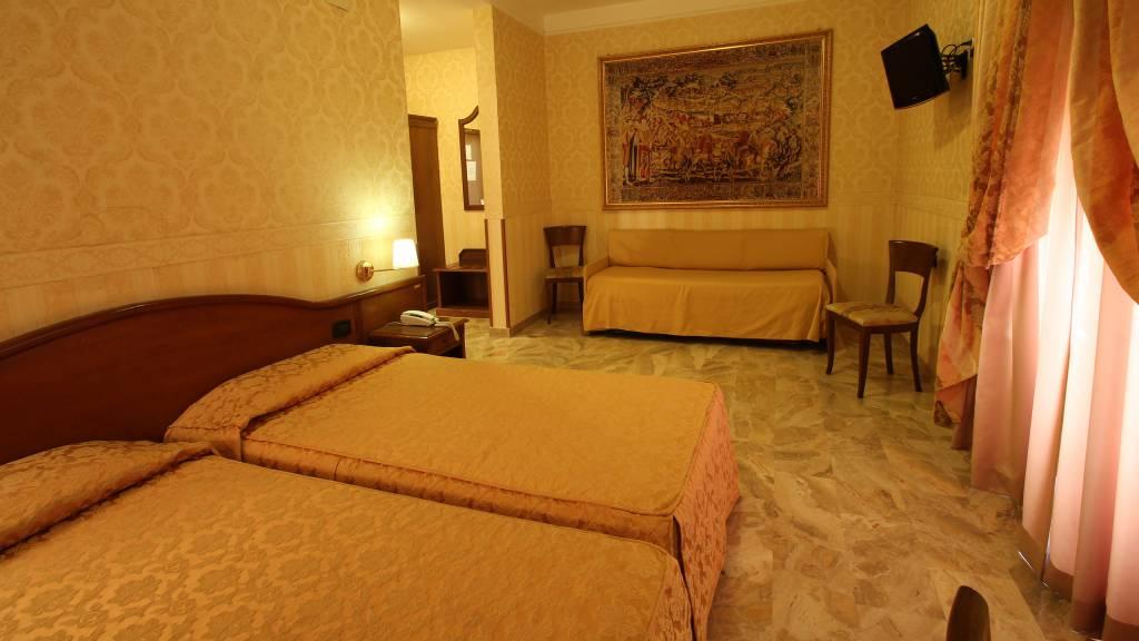 hotelorazia-4.JPG