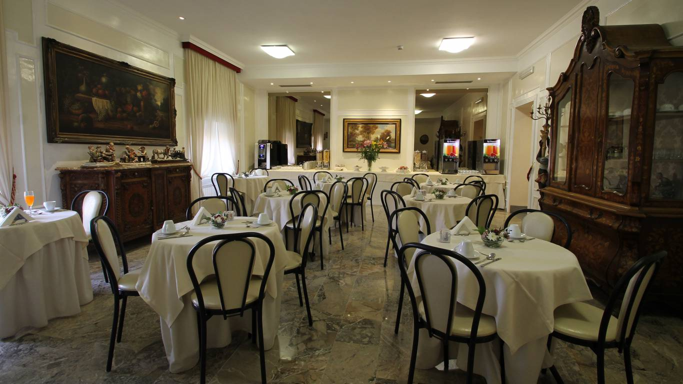 hotel-orazia-rome-breakfast-14