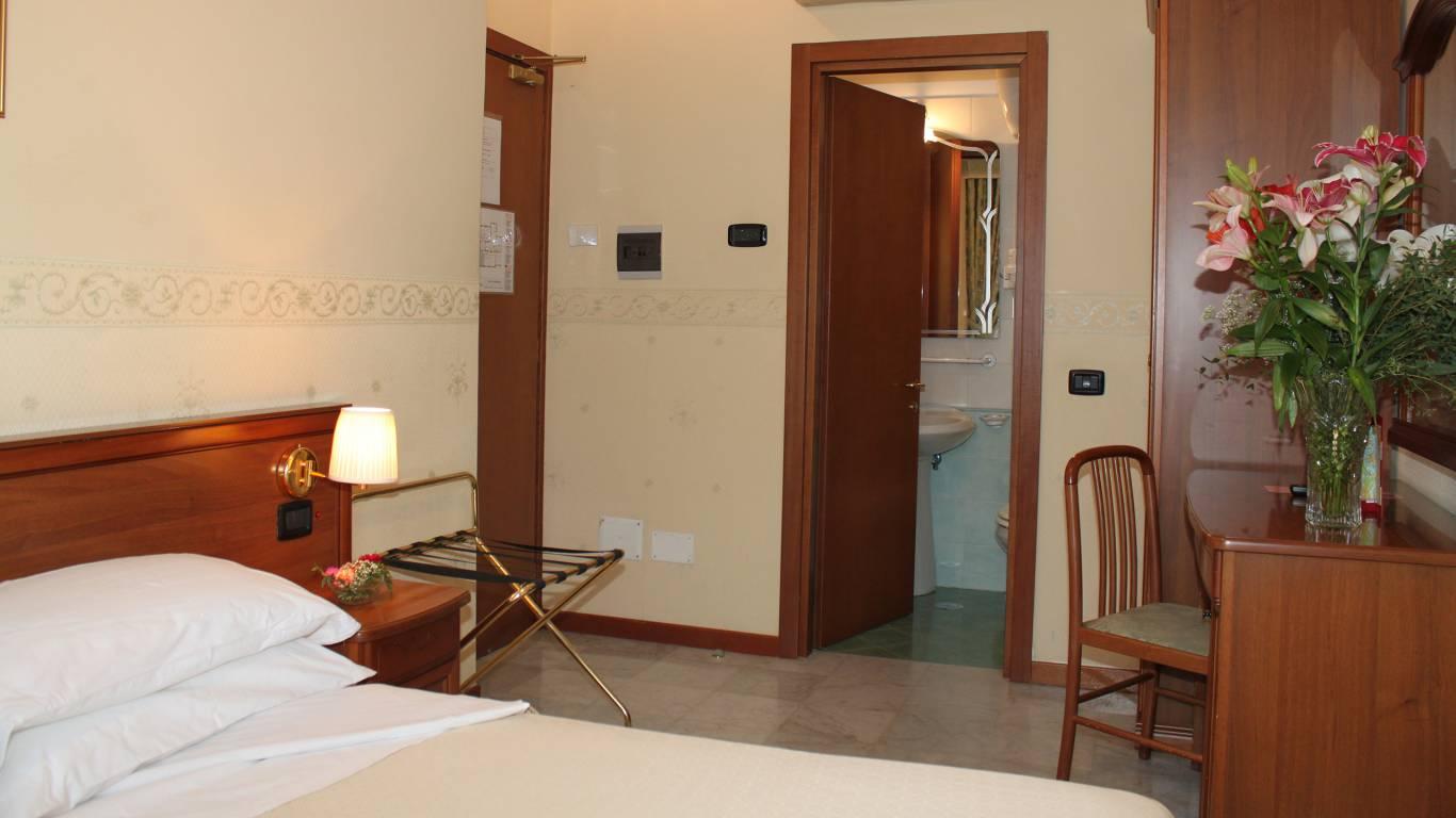 hotel-orazia-roma-camera-28