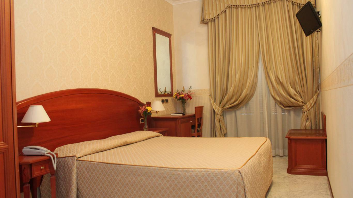Hotel-Orazia-Rome-Connecting-Rooms