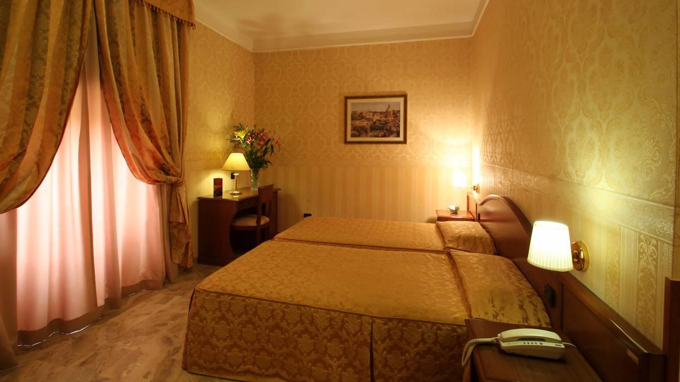hotel-orazia-roma-camera-7