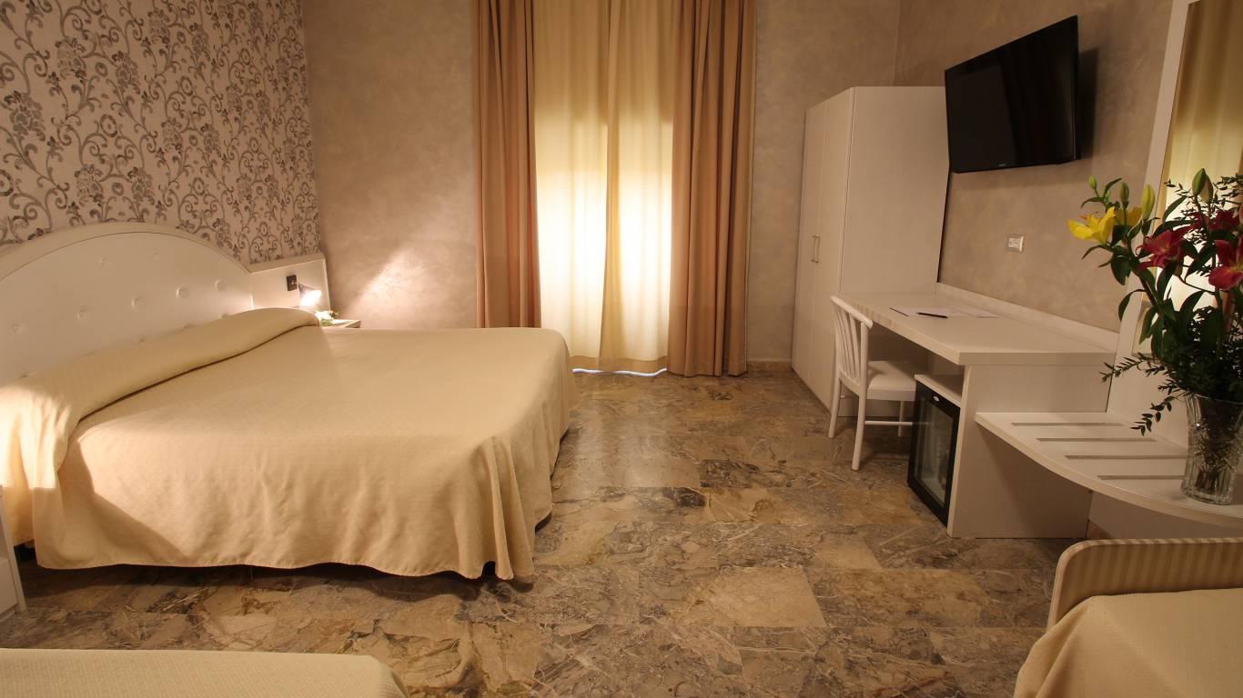 hotel-orazia-rome-room-9